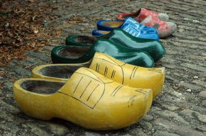 netherlands wooden clogs