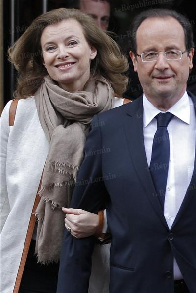 valerie-trierweiler-et-francois-hollande-complices-depuis-2000-photo-reuters