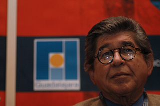 Alfredo Bryce Echenique (© Cortesía FIL Guadalajara/ NOMBRE DEL FOTÓGRAFO)