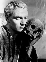 Lawrence Olivier as Hamlet