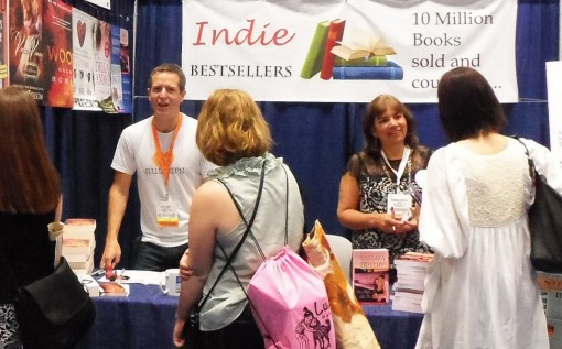 Authors Hugh Howey and Barbara Freethy meet readers at Booth 966 at BEA 2013. | Photo: Porter Anderson