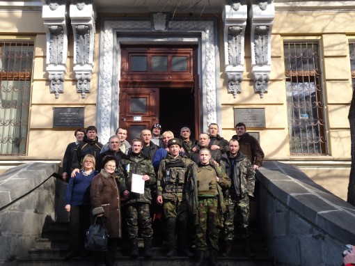 Soldiers protecting the National Library in the Ukraine during protests earlier this month.