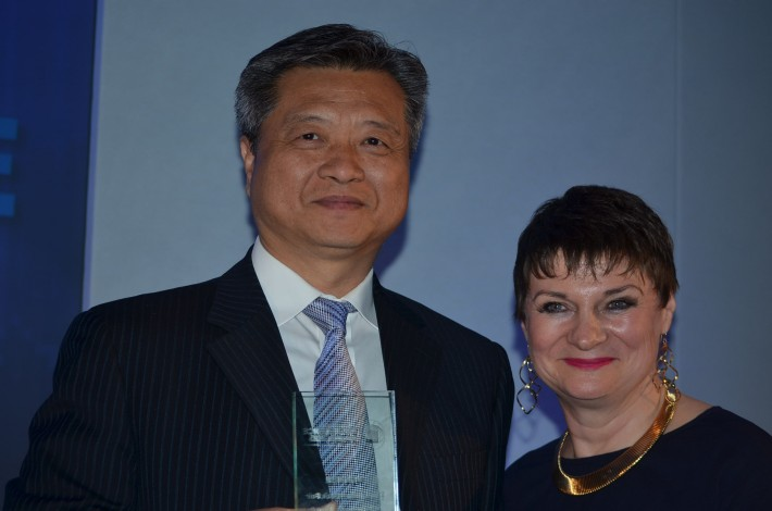 Yue Tan, President of China Publishing Group, and LBF Director Jacks Thomas