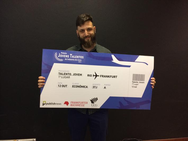 DanielLameira with prize