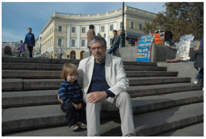 Mikhail Shishkin and son on the Potemkin Steps