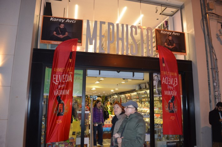 mephisto bookstore is on a very busy pedestrian street in Istanbul.