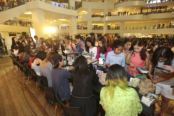 A book signing in Manila, image provided by Christine Ko, Summit Media.