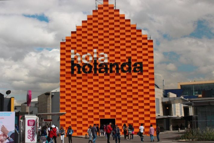 The Netherlands, 2016 guest nation at Colombia's book fair, has installed this pavilion in Bogota. Image: David Prada