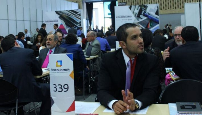 A business-conference networking event at FILBo 2016. Image: Alirio Güiza