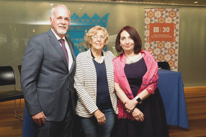FIL President Raúl Padilla López is pictured with Madrid Mayor Manuela Carmena Castrillo, center, and FIL Director Marisol Shulz Manaut.
