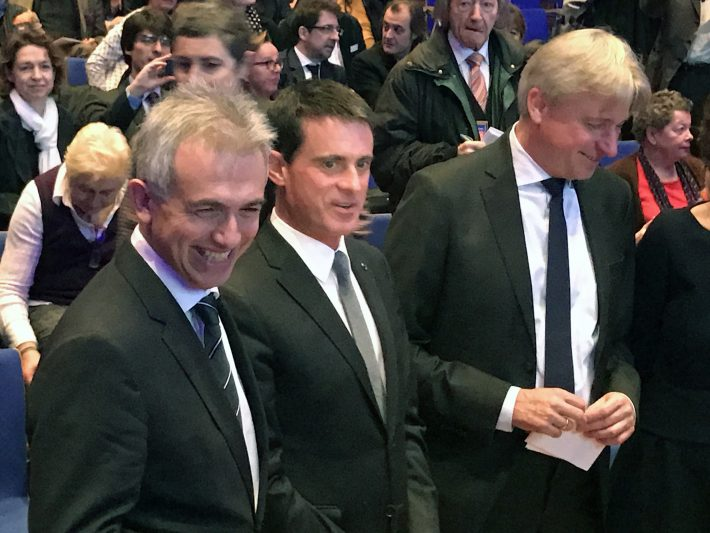 Left to right: Peter Feldmann (Mayor of Frankfurt), Manuel Valls (French Prime Minister), and Juergen Boos (Frankfurt Book Fair Director)